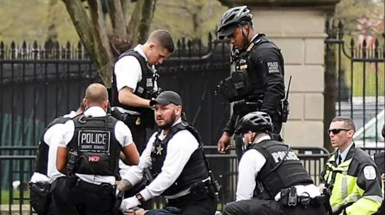 Hombre intenta inmolarse afuera de la Casa Blanca