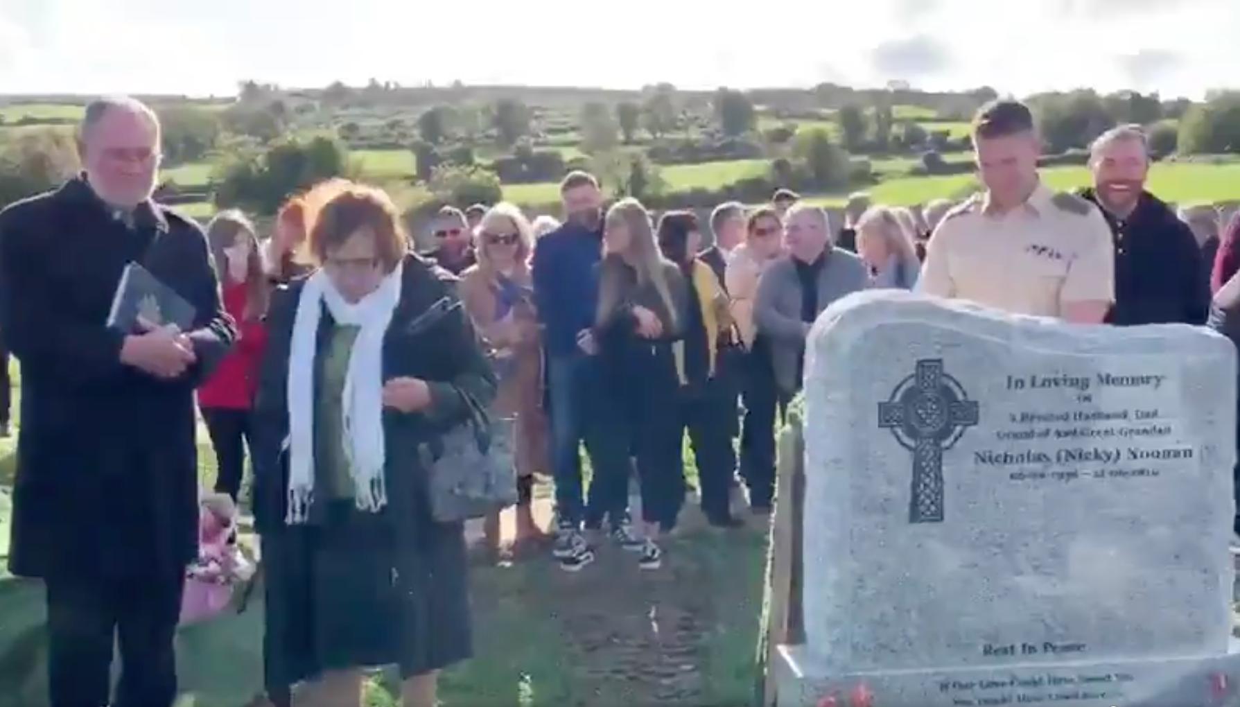 Planeó una broma para su entierro y logró las carcajadas de quienes lo estaban llorando