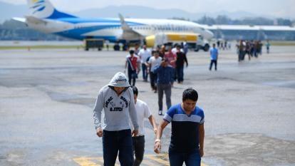Seguro Social verificará datos de inmigrantes deportados para decidir si paga o no beneficios