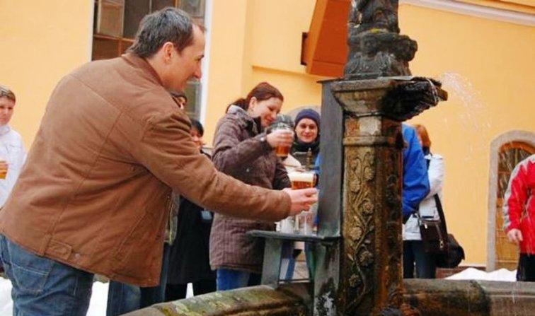 Eslovenia inaugura la primera fuente pública de Cerveza en la calle