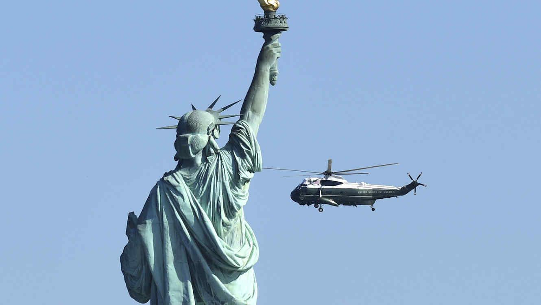La estatua de la libertad sólo da la bienvenida a los inmigrantes europeos, según el Gobierno de Trump