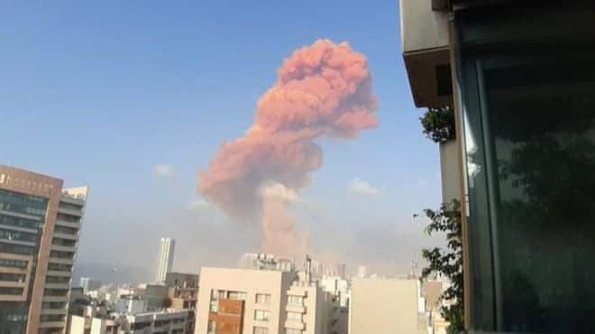 Fuerte explosión en el puerto de Beirut que deja al menos 25 muertos y 2.500 heridos