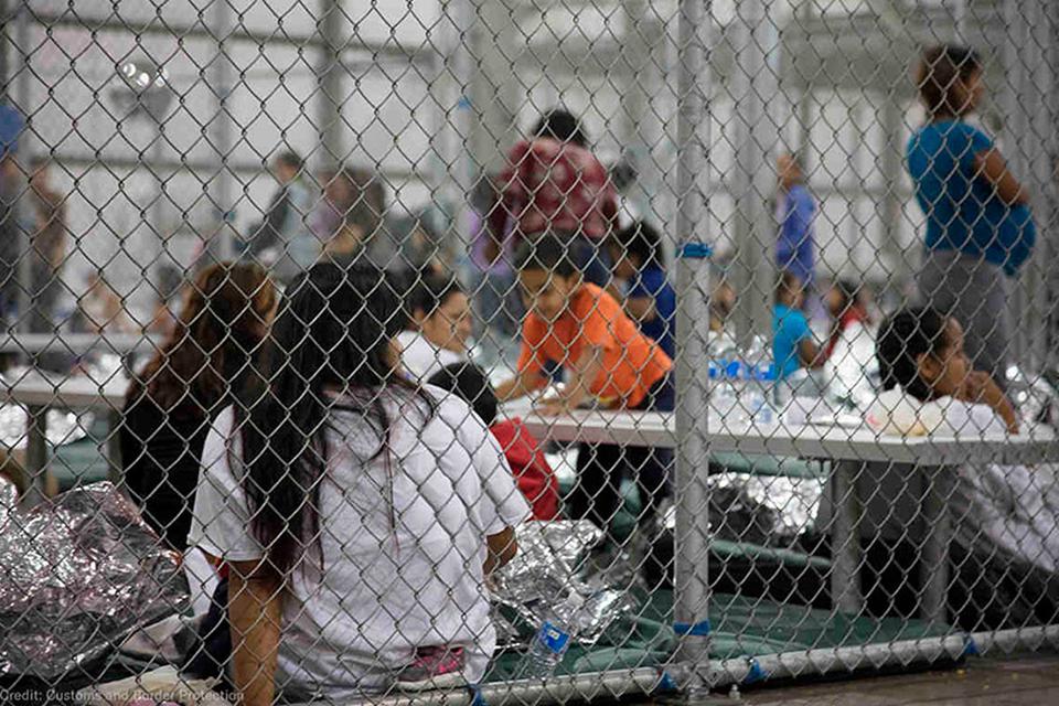 Denuncian esterilización forzada de mujeres inmigrantes en EE.UU.