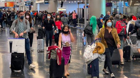 Los CDC exigirán una prueba negativa de covid-19 para los pasajeros internacionales que viajen a EE.UU.